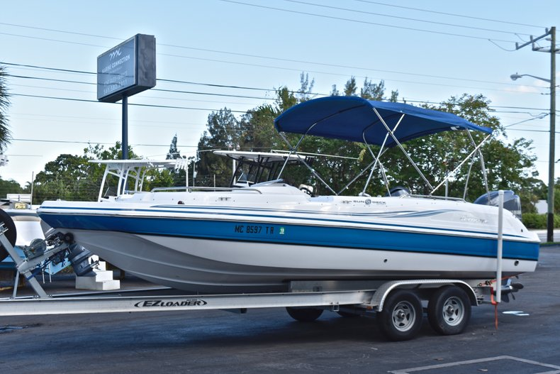 Thumbnail 3 for Used 2014 Hurricane SunDeck Sport SS 232 OB boat for sale in West Palm Beach, FL