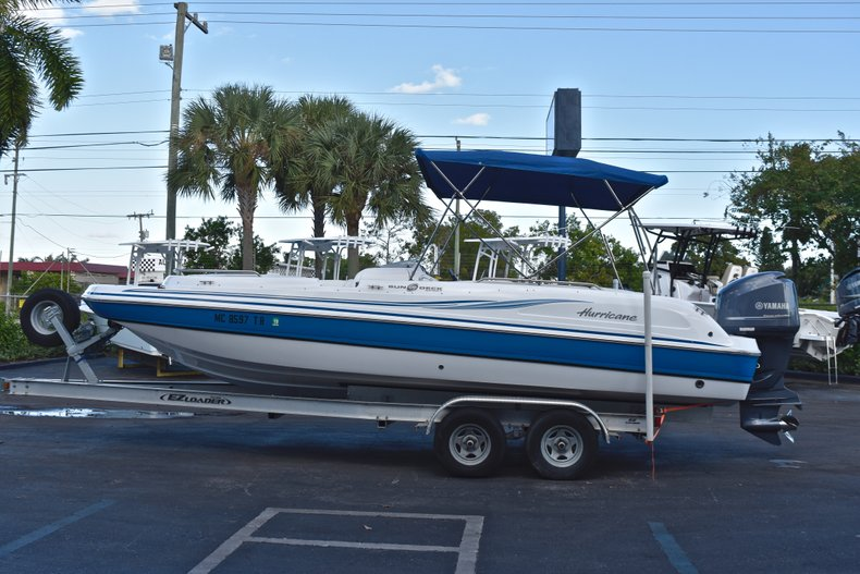 Thumbnail 4 for Used 2014 Hurricane SunDeck Sport SS 232 OB boat for sale in West Palm Beach, FL