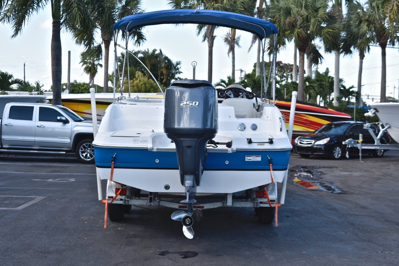 Thumbnail 6 for Used 2014 Hurricane SunDeck Sport SS 232 OB boat for sale in West Palm Beach, FL