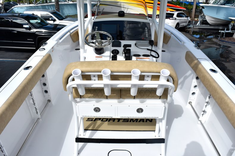 Image 10 for 2019 Sportsman Open 232 Center Console in Miami, FL