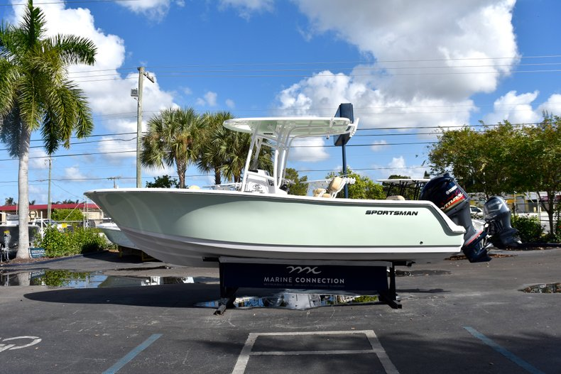 Image 4 for 2019 Sportsman Open 232 Center Console in Miami, FL