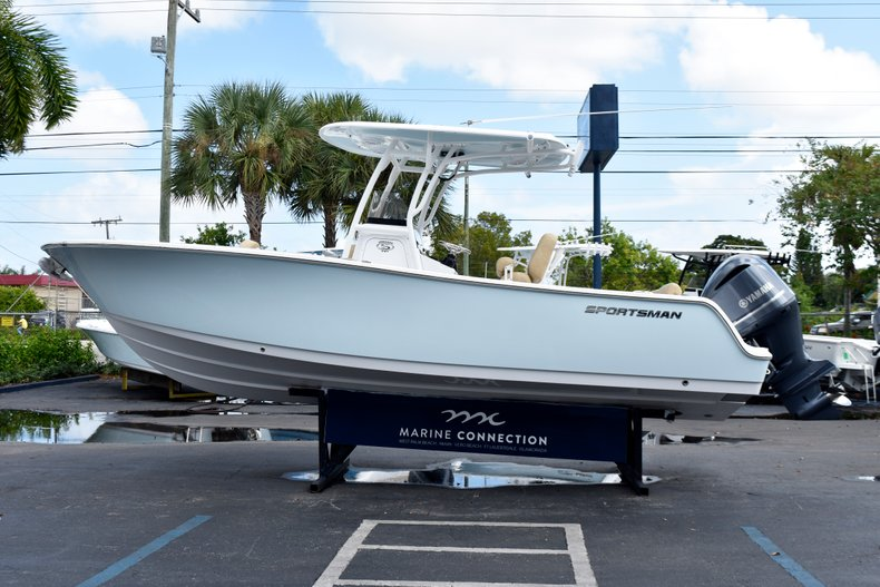 Thumbnail 6 for New 2019 Sportsman Heritage 241 Center Console boat for sale in Vero Beach, FL