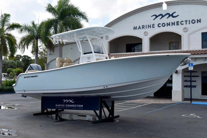 Thumbnail 1 for New 2019 Sportsman Heritage 241 Center Console boat for sale in Vero Beach, FL