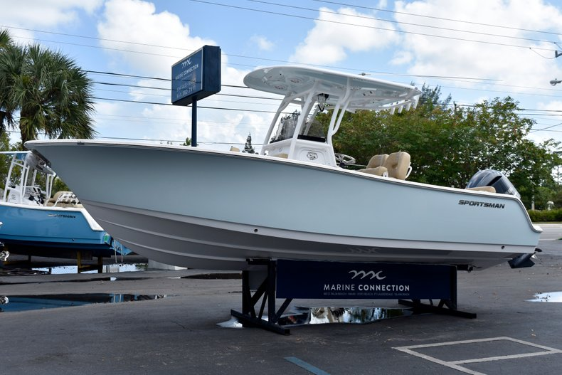Thumbnail 4 for New 2019 Sportsman Heritage 241 Center Console boat for sale in Vero Beach, FL