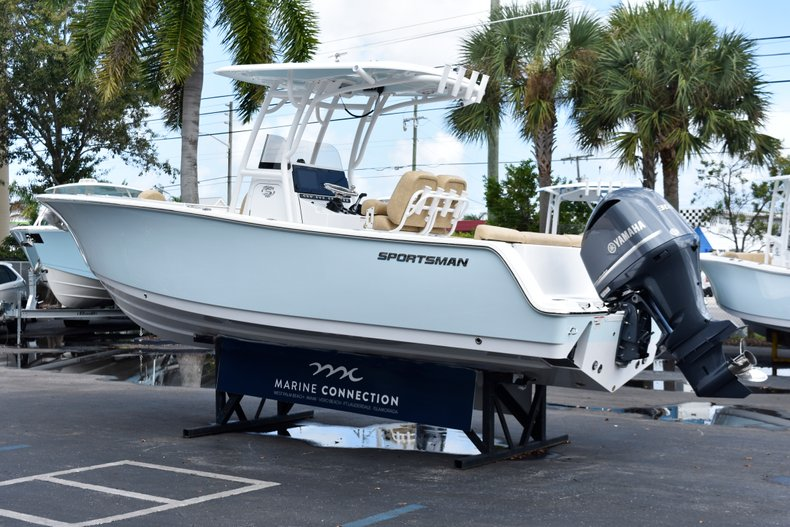 Thumbnail 7 for New 2019 Sportsman Heritage 241 Center Console boat for sale in Vero Beach, FL