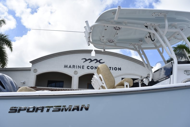 Thumbnail 10 for New 2019 Sportsman Heritage 241 Center Console boat for sale in Vero Beach, FL