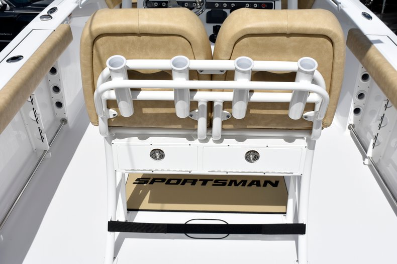 Thumbnail 26 for New 2019 Sportsman Heritage 241 Center Console boat for sale in Vero Beach, FL
