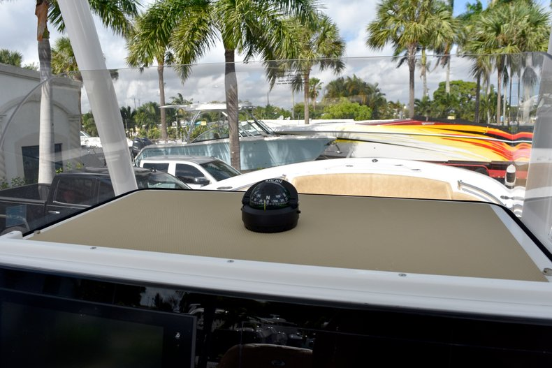 Thumbnail 35 for New 2019 Sportsman Heritage 241 Center Console boat for sale in Vero Beach, FL