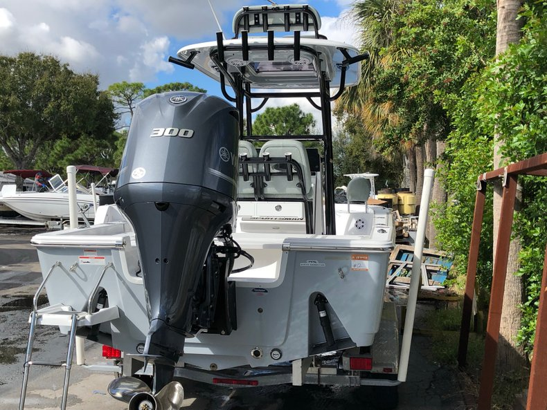 Thumbnail 3 for New 2019 Sportsman Masters 247 Bay Boat boat for sale in West Palm Beach, FL