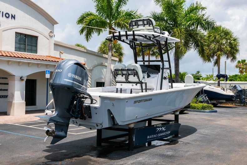 Thumbnail 7 for New 2019 Sportsman Masters 247 Bay Boat boat for sale in West Palm Beach, FL