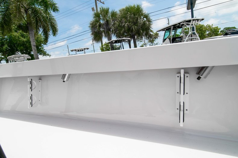 Thumbnail 15 for New 2019 Sportsman Masters 247 Bay Boat boat for sale in West Palm Beach, FL
