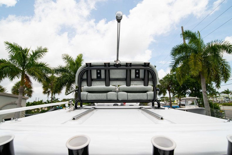 Thumbnail 21 for New 2019 Sportsman Masters 247 Bay Boat boat for sale in West Palm Beach, FL