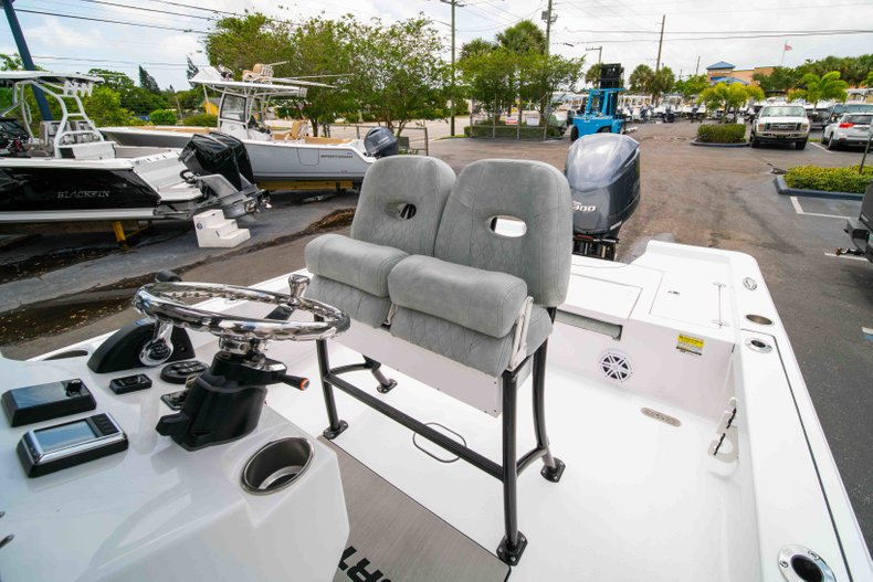 Thumbnail 28 for New 2019 Sportsman Masters 247 Bay Boat boat for sale in West Palm Beach, FL