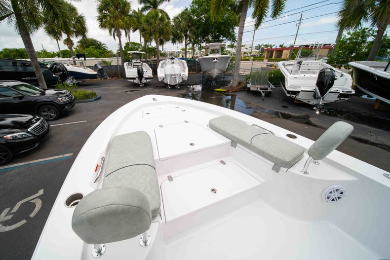 Thumbnail 32 for New 2019 Sportsman Masters 247 Bay Boat boat for sale in West Palm Beach, FL