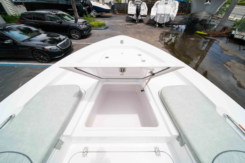 Thumbnail 36 for New 2019 Sportsman Masters 247 Bay Boat boat for sale in West Palm Beach, FL