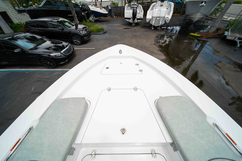 Thumbnail 35 for New 2019 Sportsman Masters 247 Bay Boat boat for sale in West Palm Beach, FL