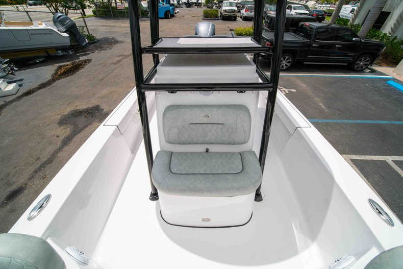 Thumbnail 37 for New 2019 Sportsman Masters 247 Bay Boat boat for sale in West Palm Beach, FL
