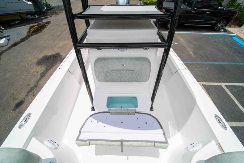 Thumbnail 38 for New 2019 Sportsman Masters 247 Bay Boat boat for sale in West Palm Beach, FL