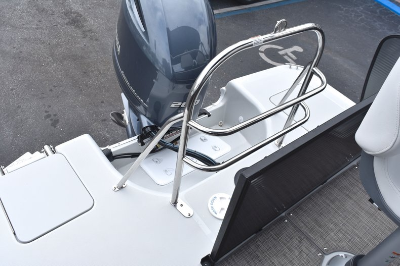 Thumbnail 13 for New 2019 Hurricane FunDeck FD 236 Wet Bar OB boat for sale in West Palm Beach, FL