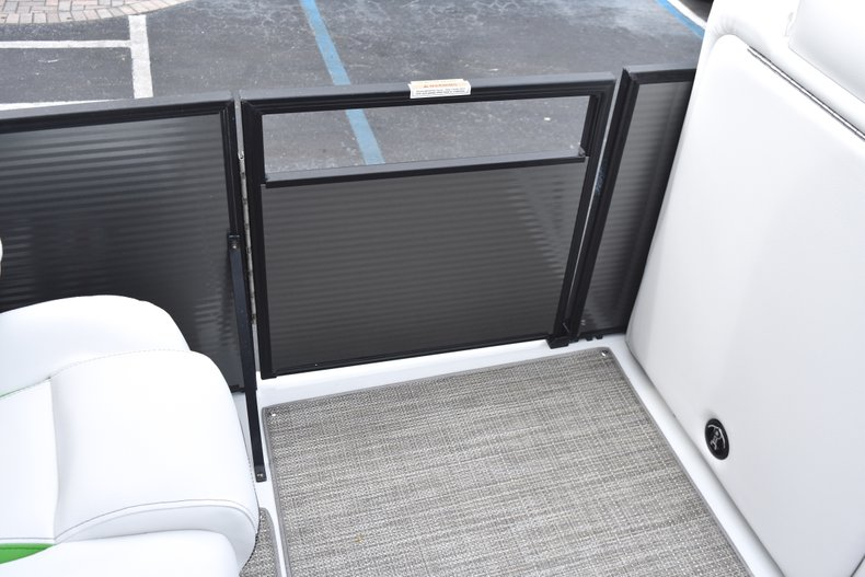 Thumbnail 33 for New 2019 Hurricane FunDeck FD 236 Wet Bar OB boat for sale in West Palm Beach, FL