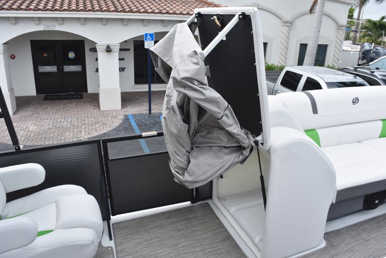 Thumbnail 36 for New 2019 Hurricane FunDeck FD 236 Wet Bar OB boat for sale in West Palm Beach, FL