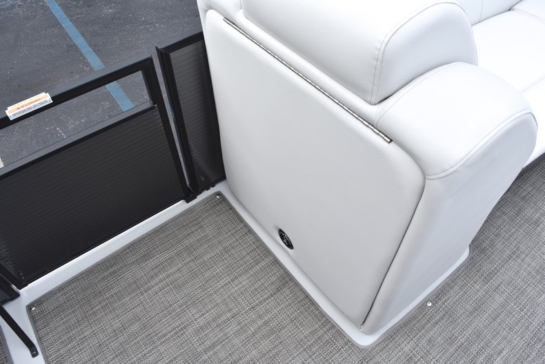 Thumbnail 35 for New 2019 Hurricane FunDeck FD 236 Wet Bar OB boat for sale in West Palm Beach, FL