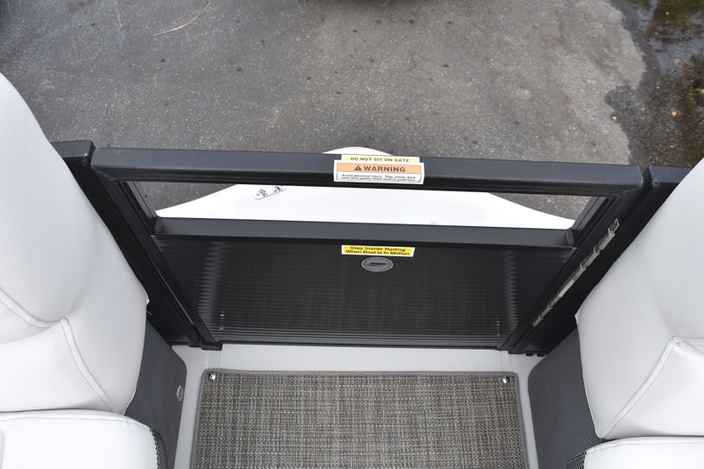 Thumbnail 43 for New 2019 Hurricane FunDeck FD 236 Wet Bar OB boat for sale in West Palm Beach, FL