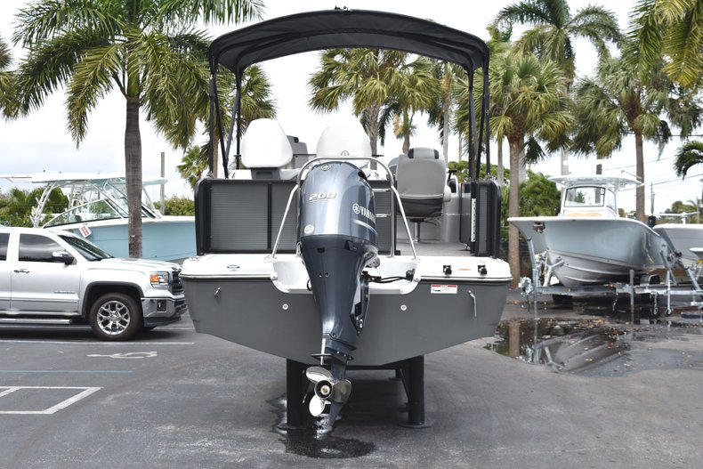 Thumbnail 6 for New 2019 Hurricane FunDeck FD 236 Wet Bar OB boat for sale in West Palm Beach, FL