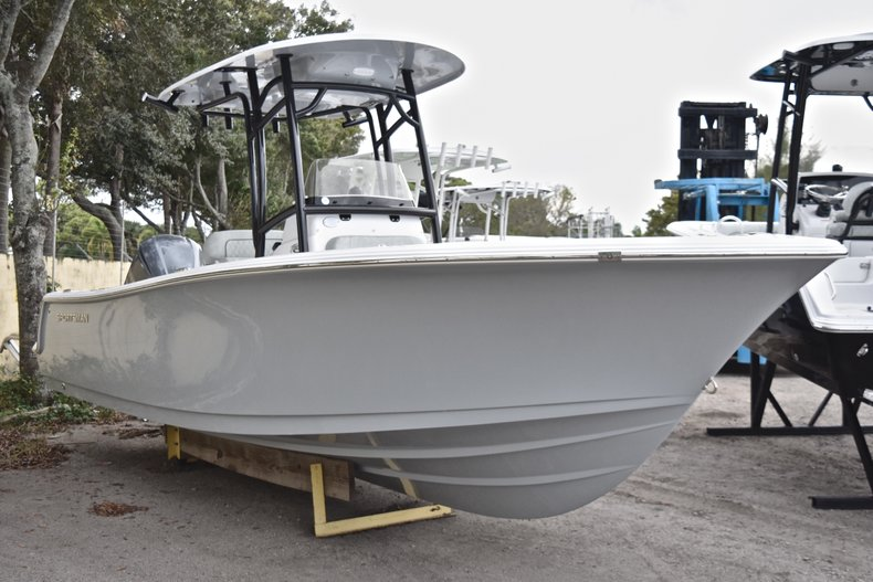 Image 0 for 2019 Sportsman Heritage 231 Center Console in Vero Beach, FL