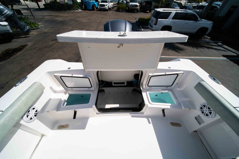 Thumbnail 22 for New 2019 Sportsman Heritage 231 Center Console boat for sale in Fort Lauderdale, FL
