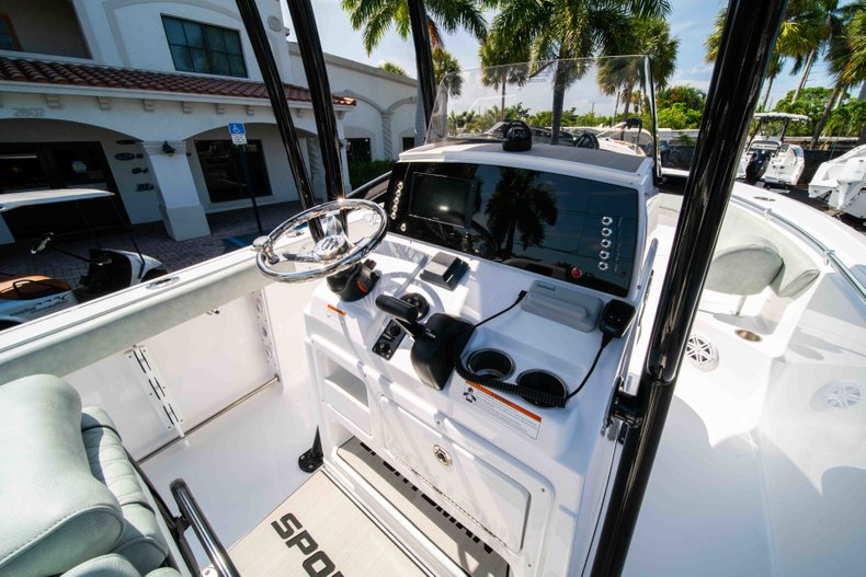 Thumbnail 25 for New 2019 Sportsman Heritage 231 Center Console boat for sale in Fort Lauderdale, FL
