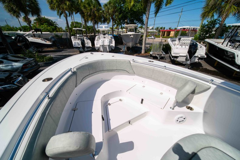 Thumbnail 37 for New 2019 Sportsman Heritage 231 Center Console boat for sale in Fort Lauderdale, FL