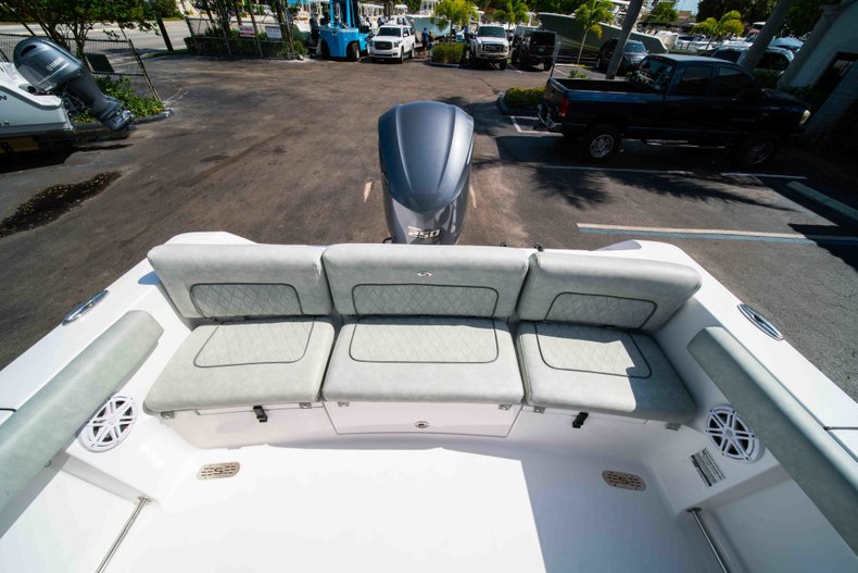 Thumbnail 17 for New 2019 Sportsman Heritage 231 Center Console boat for sale in Fort Lauderdale, FL
