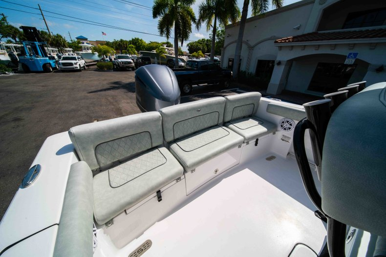 Thumbnail 16 for New 2019 Sportsman Heritage 231 Center Console boat for sale in Fort Lauderdale, FL