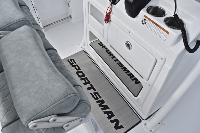Thumbnail 39 for New 2019 Sportsman Open 232 Center Console boat for sale in West Palm Beach, FL