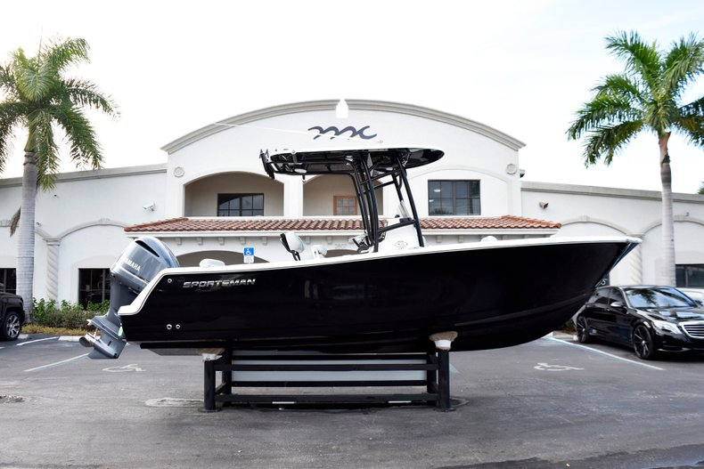 Image 0 for 2019 Sportsman Open 232 Center Console in Fort Lauderdale, FL