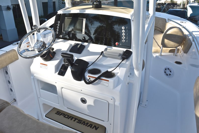 Thumbnail 32 for New 2019 Sportsman Open 232 Center Console boat for sale in West Palm Beach, FL