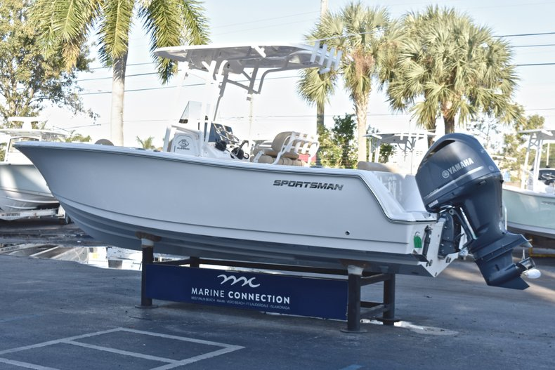 Thumbnail 5 for New 2019 Sportsman Open 232 Center Console boat for sale in Fort Lauderdale, FL