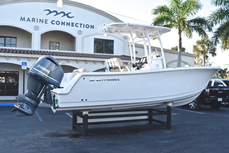 Thumbnail 7 for New 2019 Sportsman Open 232 Center Console boat for sale in Fort Lauderdale, FL