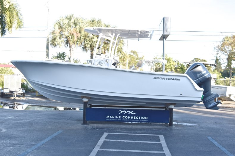 Thumbnail 4 for New 2019 Sportsman Open 232 Center Console boat for sale in West Palm Beach, FL