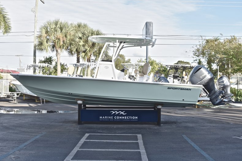 Image 4 for 2019 Sportsman Masters 247 Bay Boat in West Palm Beach, FL