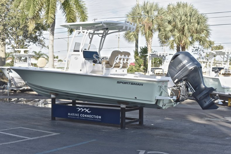 Image 5 for 2019 Sportsman Masters 247 Bay Boat in Vero Beach, FL
