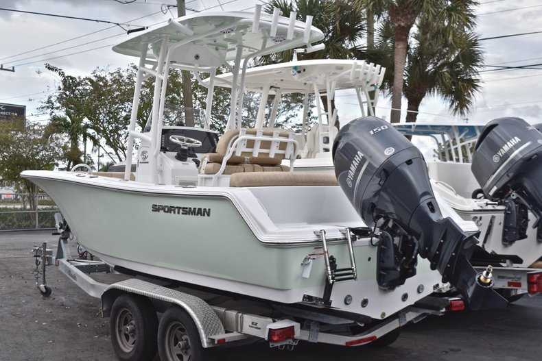 Image 0 for 2019 Sportsman Heritage 211 Center Console in West Palm Beach, FL