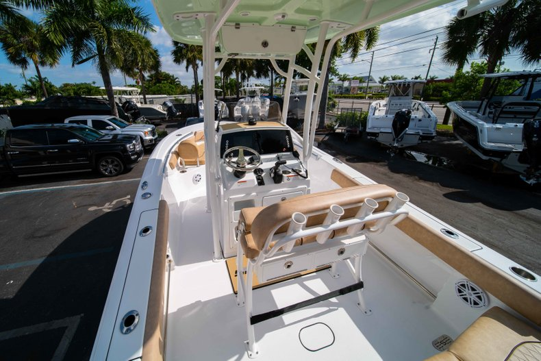 Thumbnail 10 for New 2019 Sportsman Heritage 211 Center Console boat for sale in Miami, FL