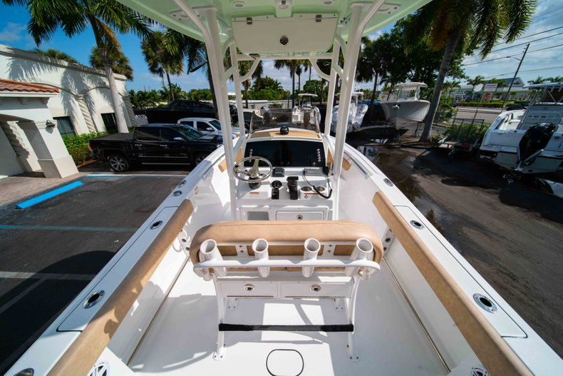 Thumbnail 9 for New 2019 Sportsman Heritage 211 Center Console boat for sale in Miami, FL
