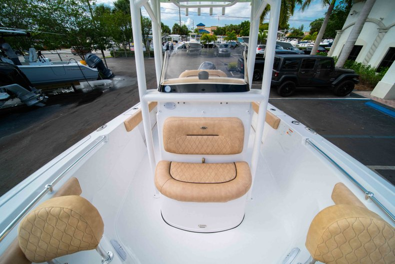 Thumbnail 38 for New 2019 Sportsman Heritage 211 Center Console boat for sale in Miami, FL