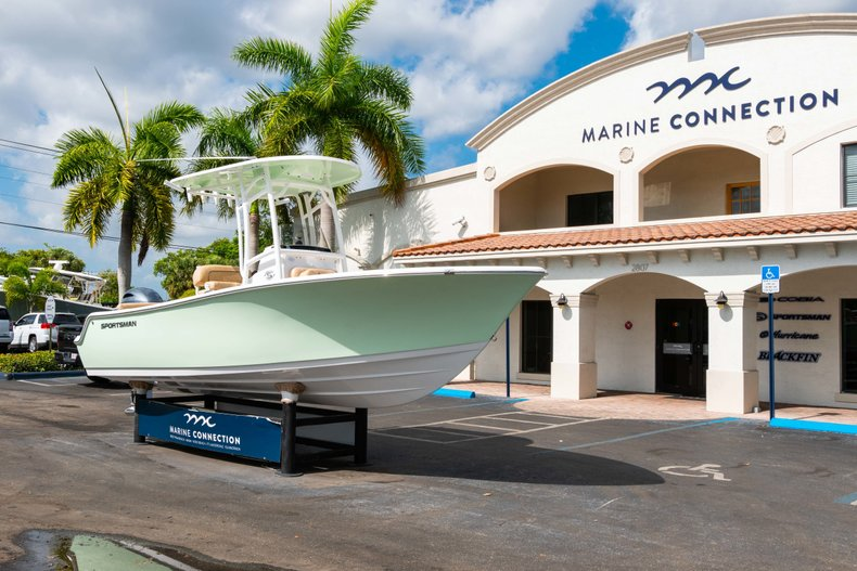 Thumbnail 1 for New 2019 Sportsman Heritage 211 Center Console boat for sale in Miami, FL