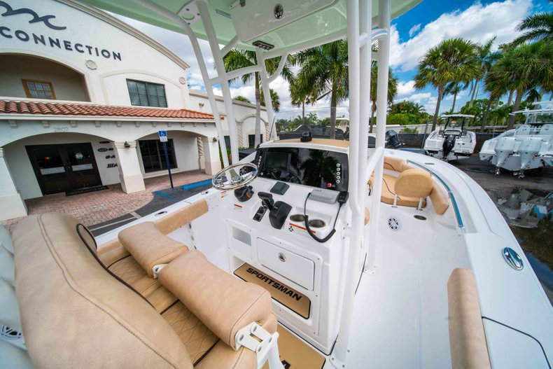 Thumbnail 20 for New 2019 Sportsman Heritage 211 Center Console boat for sale in Miami, FL