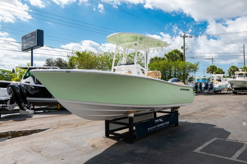 Thumbnail 3 for New 2019 Sportsman Heritage 211 Center Console boat for sale in Miami, FL
