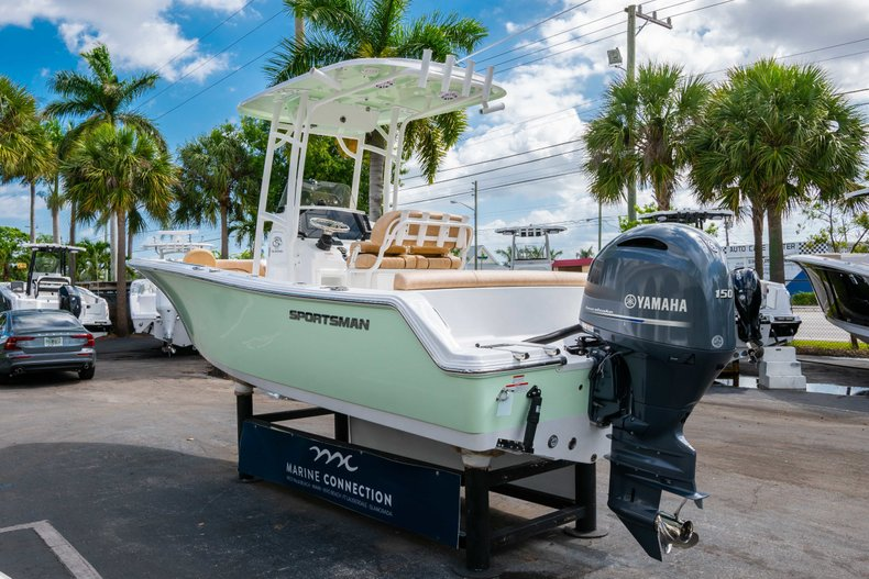 Thumbnail 5 for New 2019 Sportsman Heritage 211 Center Console boat for sale in Miami, FL